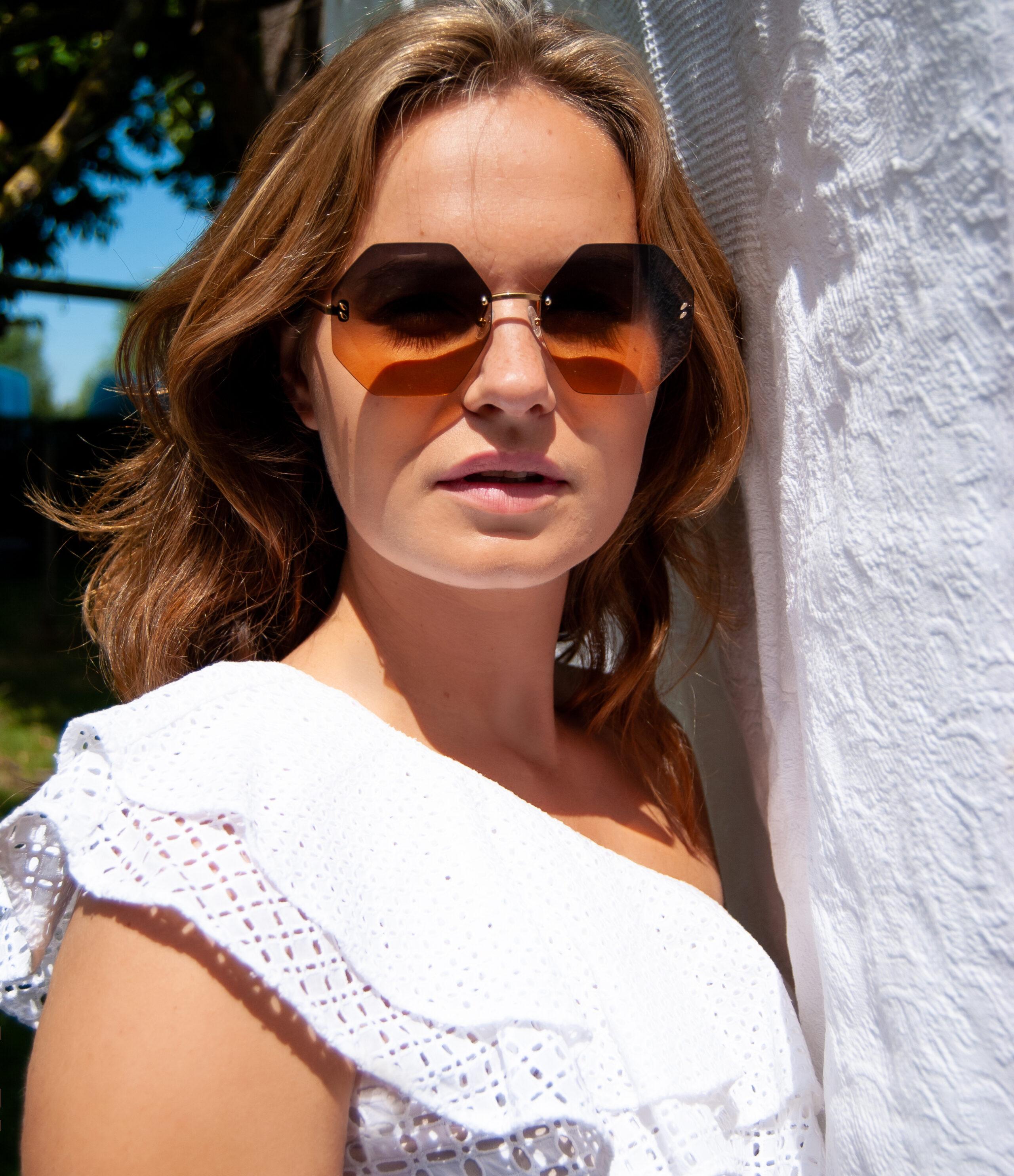 Stella McCartney brillen en zonnebrillen - Frames and Faces Deinze